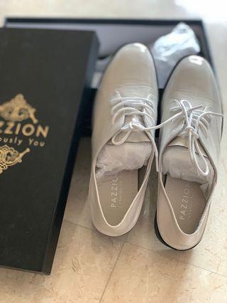 Pazzion shoe