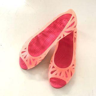 Crocs 裸粉果凍魚口鞋 平底鞋 W6