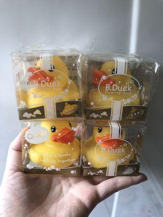 B duck 浴缸鴨仔4隻