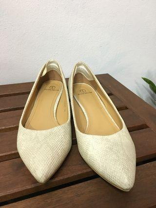 Beige 1.5inch heels