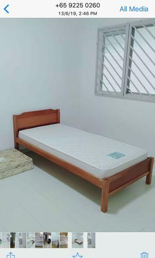 🚚 Wooden bed frame without Matress