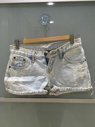 Short jeans bottoms