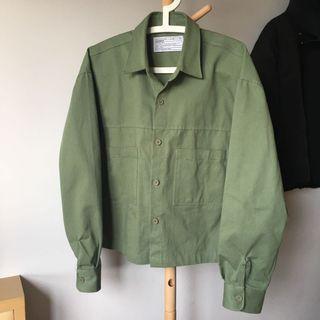 🚚 600含運 正韓貨 軍綠硬挺短板薄外套 夾克 M 落肩 寬版 九成新