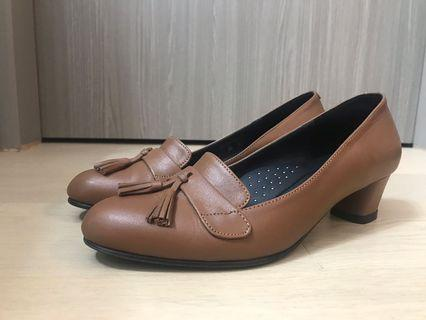 Leather comfy cushion office lady shoe 1.5in height 37 size