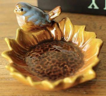Sunflower plate with bird container