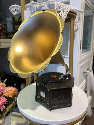 Gramophone display decor