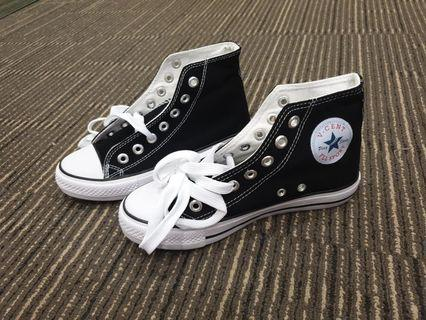 BLACK SNEAKERS FOR STUDENTS/ STUDENT OR SMALL SIZES - 501(BLACK)