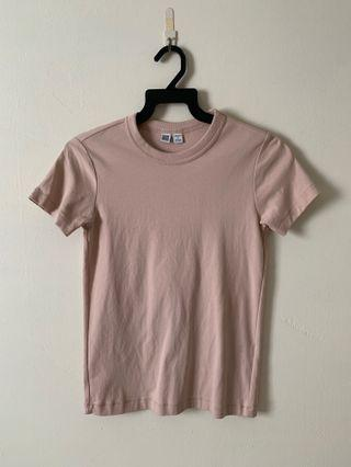 Uniqlo Beige Basic Tee
