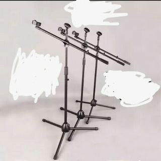 🚚 Brands new mic stand professional  with two mic clips