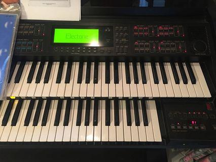🚚 Used electric organ - YAMAHA Electone EL 900