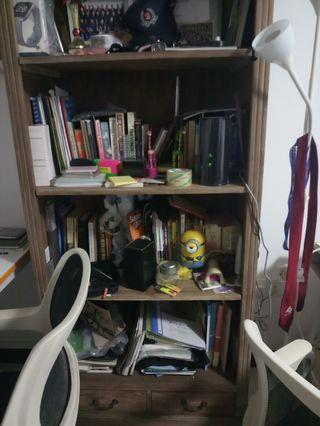 🚚 Bookshelf