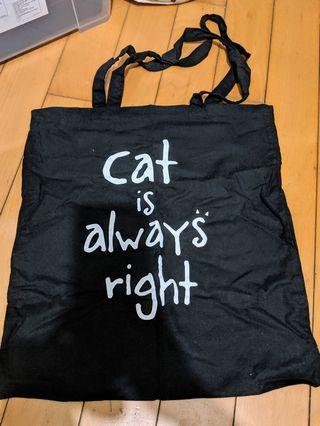 Cat is always right tote bag