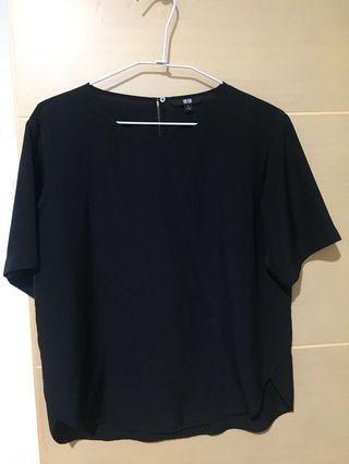 🚚 Uniqlo上班族螺縈軟料素色黑短袖上衣