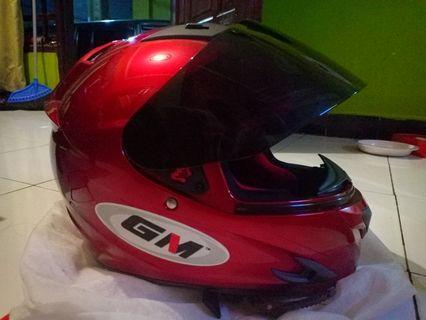 Helm GM L, baru dipakai sekali, bisa nego