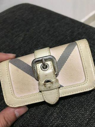 🚚 Authentic Burberry Key Pouch