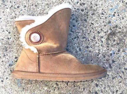 Emily lambswool ugg boots sheepskin children's size 4 kids