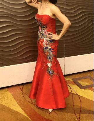 紅色孔雀🦚繡花魚尾裙