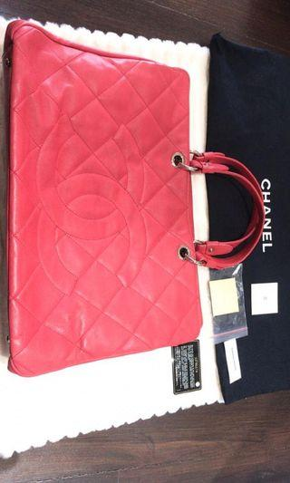 Chanel large carviar gst short handle red