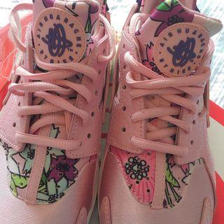 Nike WMNS Air Huarache Run Print 粉紅 運動鞋
