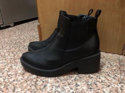 🚚 Air Space 厚底短靴
