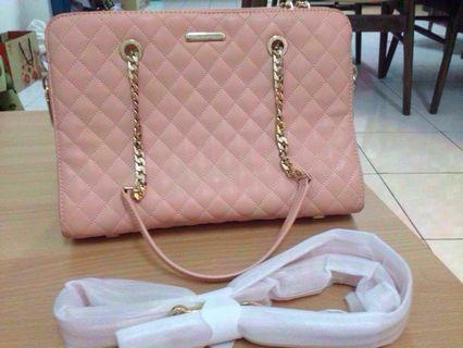 Charles & Keith Quilted chain shoulder bag (authentic)