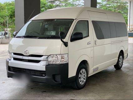 TOYOTA HIACE COMMUTER 2.8GL AT