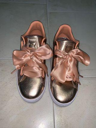 (INS) Rose gold sneakers