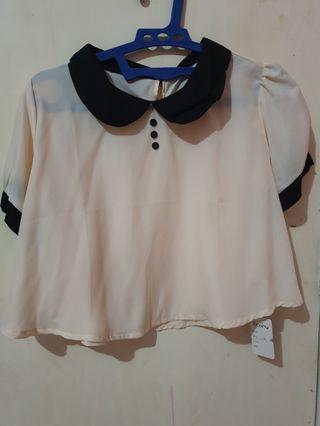 Beige Top/Blouse with Collar (blus dengan kerah)