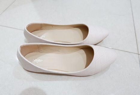 Sepatu putih new