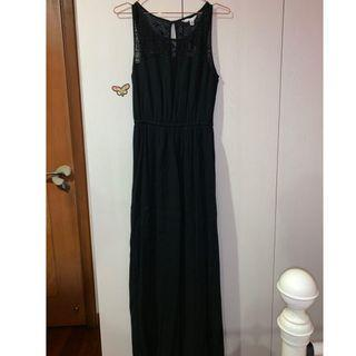 🚚 BNWT Black lace maxi dress