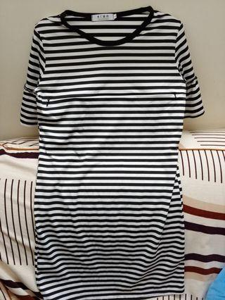 黑白橫間孕婦/餵奶彈力短袖連身裙