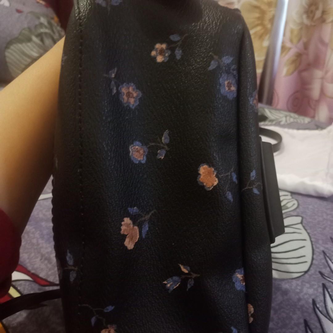 Coach andi bisa backpack atau sling bag