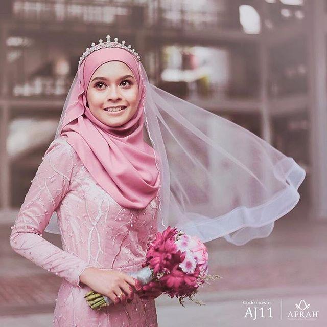 Crown Afrah Exclusive (Code: AJ11)