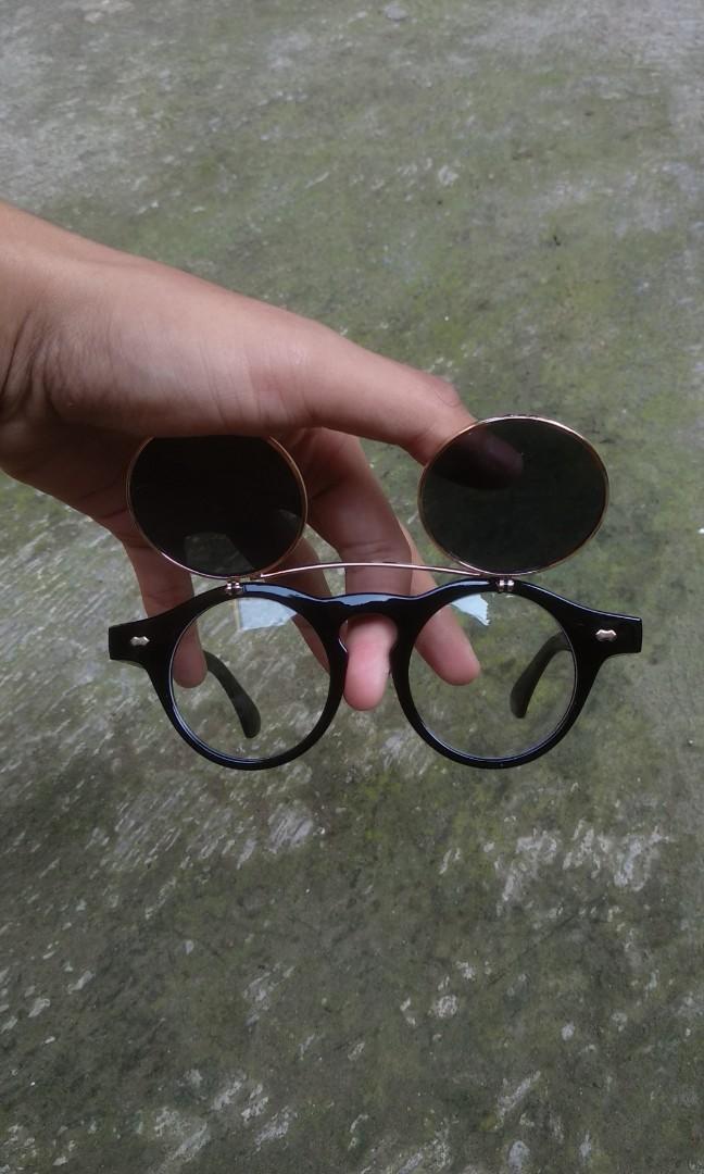 Kacamata retro steampunk