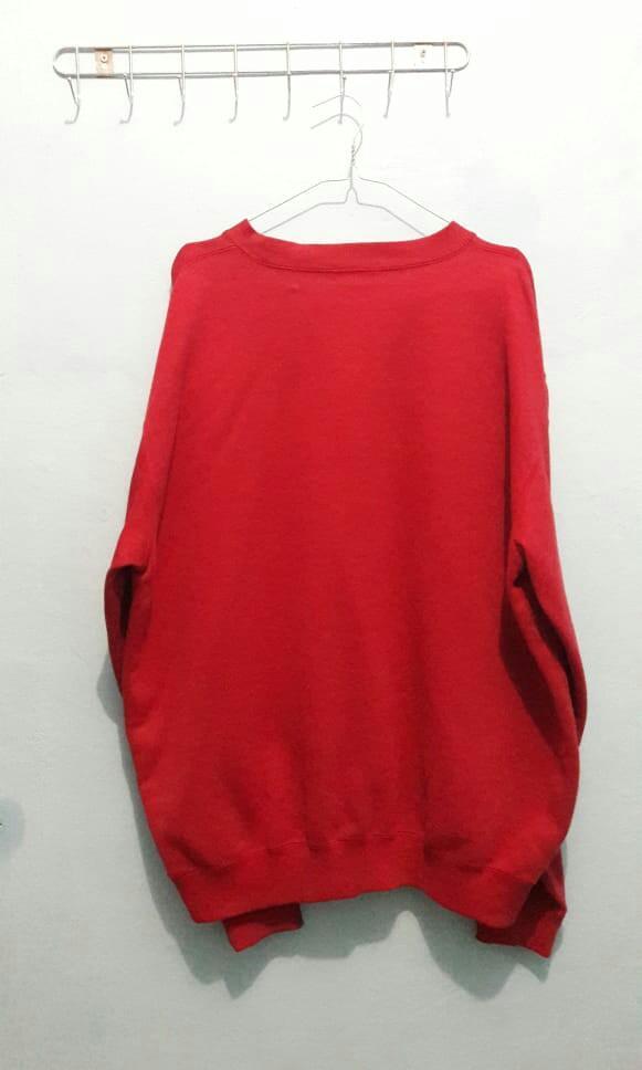 Sweater crewneck uniqlo merah