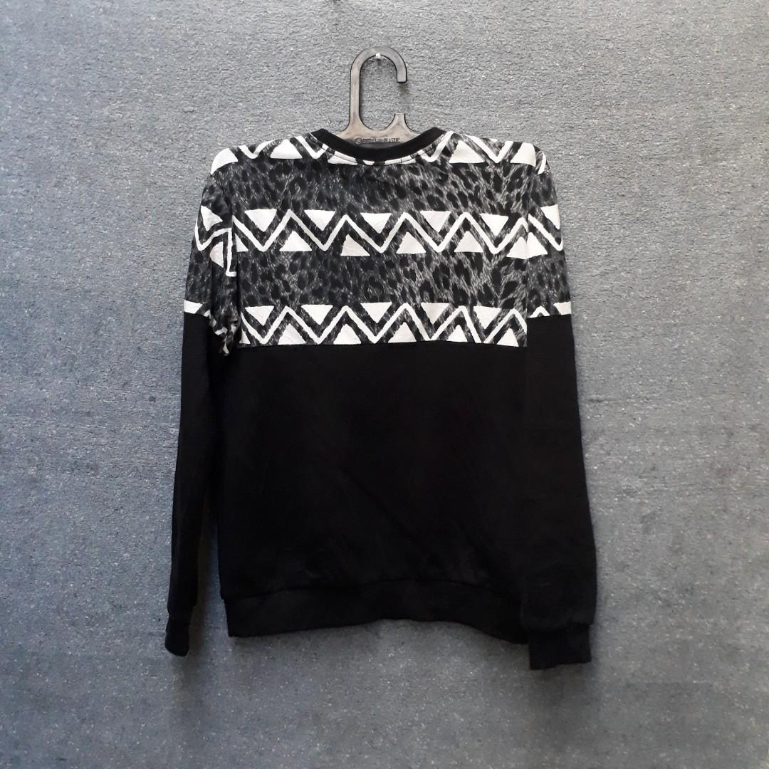 Sweater Navajo fit L dalam