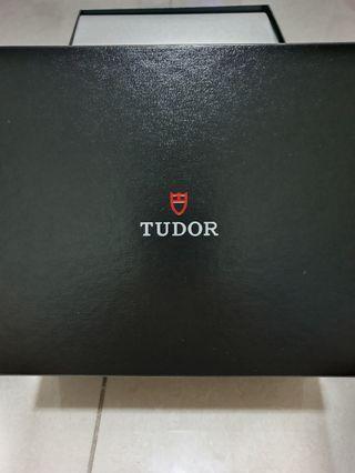 Tudor black bay gmt pepsi