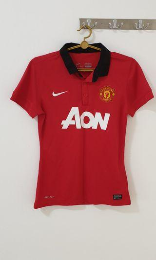 🚚 Women's Nike Manchester United Jersey