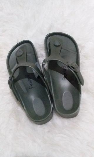 Sandal Fladeo hijau army