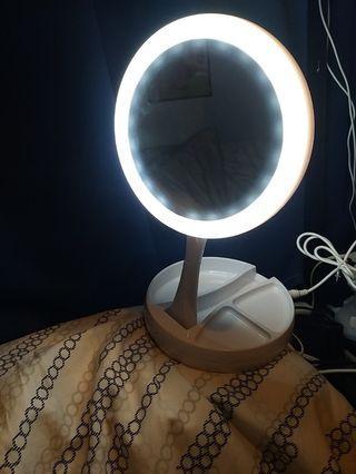 LED 坐枱鏡