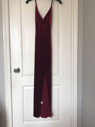 FASHIONNOVA/ VELVET LONG DRESS W SLIT AND OPEN BACK/ S