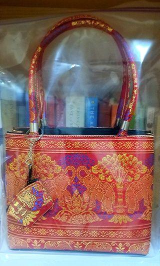 🚚 Embroidered Handbag with Coin Pouch