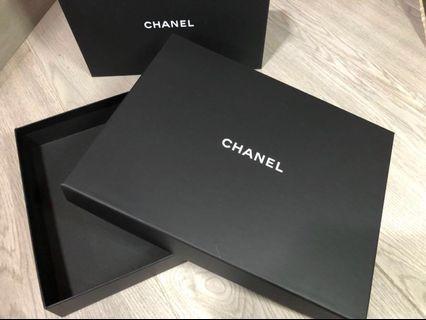 Chanel box scarf 盒