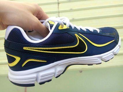 全新 正品 Nike 耐吉 輕量 運動鞋 慢跑鞋