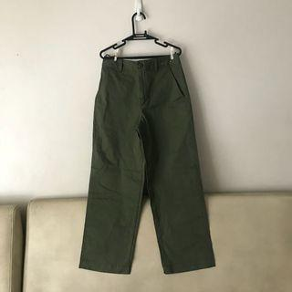 *BRAND NEW* Uniqlo Wide Legged Pants