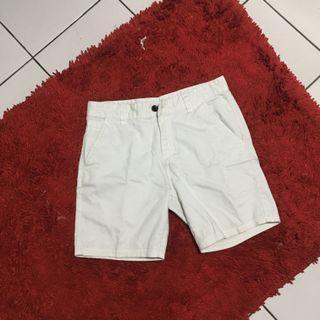 Celana pendek graphite size 31