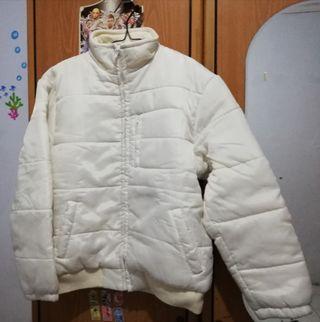 Jaket warna broken white bagus