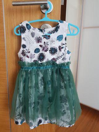 🚚 Baby girl dress 18 to 24 months