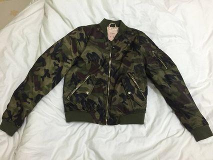 Reprice Pull&Bear Army Jacket (s)