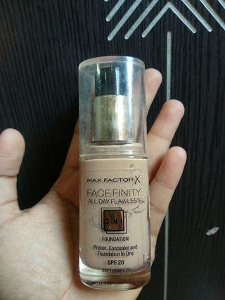 Foundation Max Factor (Soft Honey)